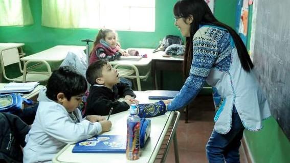 los sueldos de los maestros mexicanos no tienen mucho que celebrar este 15 de mayo