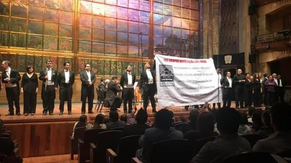 sinfonica nacional protesta en bellas artes por evento religioso