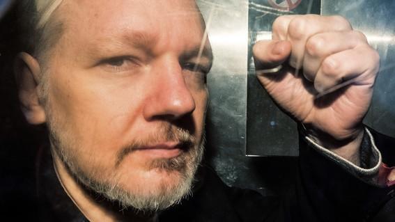 julian assange quien es