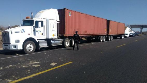 los robos en las carreteras las han convertido en sitios peligrosos para viajar por mexico