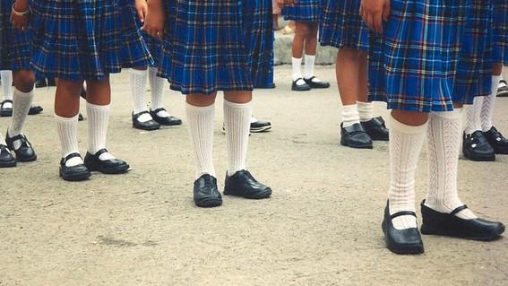 los padres de familia se quejaron por la implementacion de uniformes neutros en la cdmx