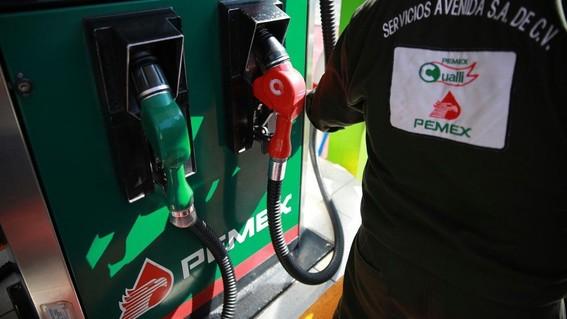 desde el sabado 8 de junio los automovilistas pagaran4060 pesos de impuesto por cada litro de combustible