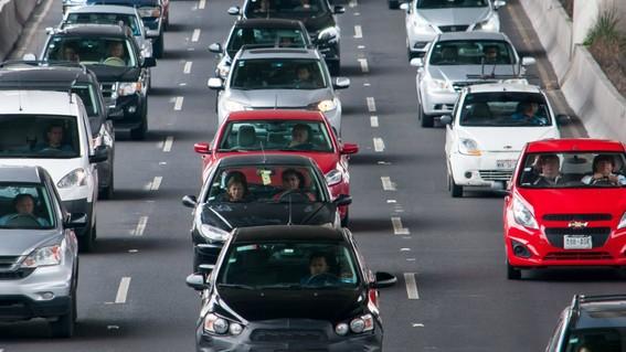 si los automovilistas de todo el pais pagan el impuesto de la tenencia se recaudarian 32 millones de pesos al ano