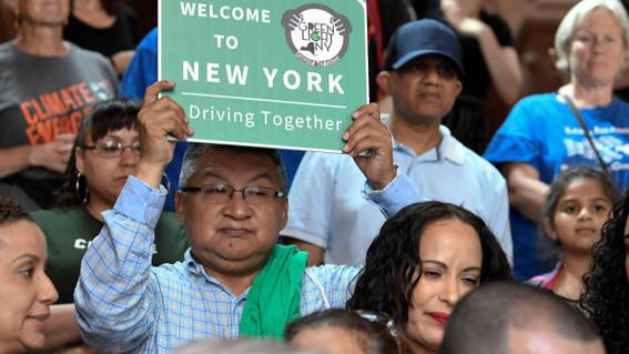 nueva york entregara licencias de conducir a inmigrantes