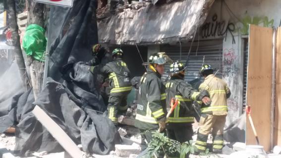 la barda de un edificio danado el 19s ubicado en la colonia portales se derrumbo el martes