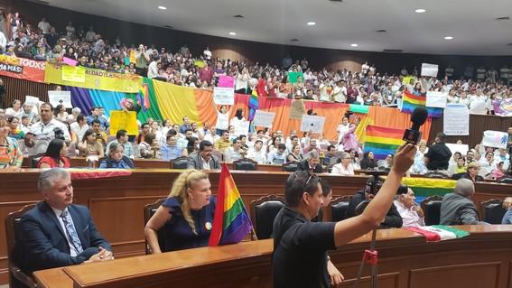 con 20 votos en contra y 18 a favor el congreso de sinaloa rechazo el dictamen para legalizar el matrimonio gay