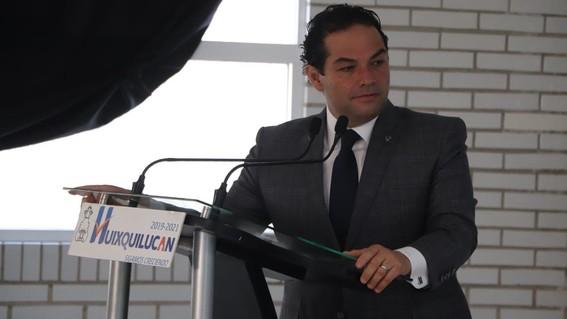 alcalde de huixquilucan se opone a santa lucia
