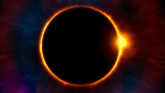 los usuarios de las redes sociales compartieron las imagenes de como se vivio el eclipse solar en chile y argentina