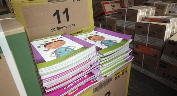 entrega la cnte libros de texto alternativos en michoacan