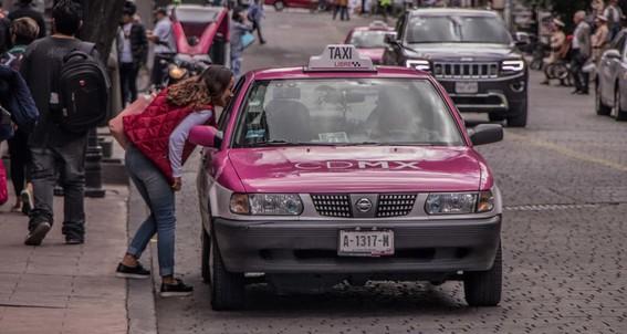 difunden en redes sociales nueva forma de extorsion en taxis de cdmx