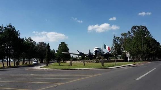 revelan imagenes ineditas de la base aerea militar de santa lucia