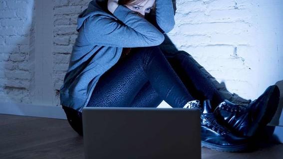 morena propone castigo para quien induzca al suicidio en redes sociales