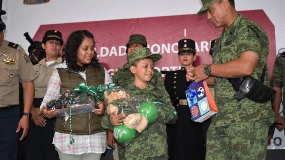 nino con cancer cumple sueno de ser soldado por un dia