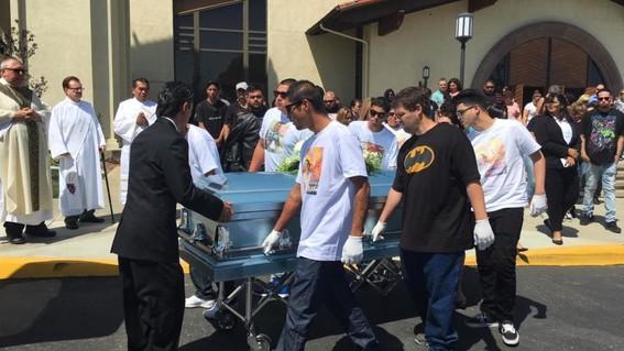 las autoridades del condado de los angeles en california piden la pena capital para una mujer y su novio que torturaron hasta la muerte a su