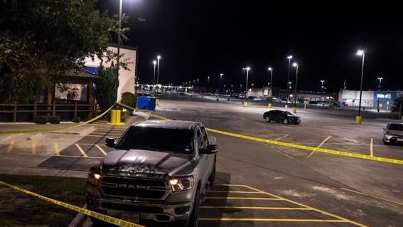 el hombre de 36 anos que el sabado comenzo un tiroteo en que murieron al menos siete personas habia sido despedido de su trabajo como camionero