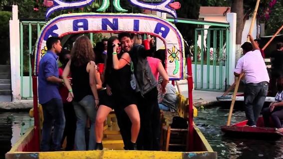un litro de alcohol por trajinera la nueva medida en xochimilco