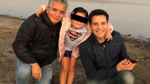 primer pareja gay que adopto legalmente a una nina en mexico