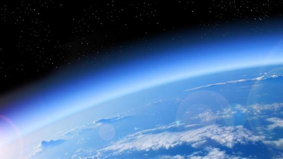 el deterioro de la capa de ozono es aun un problema sin resolver por lo que es necesario mantener la vigilancia y continuar con las acciones par