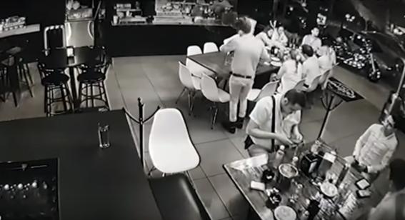 atacan bar en uruapan michoacan; hay cuatro personas muertas