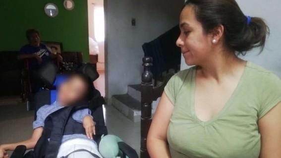 Niño termina con parálisis cerebral tras morder una pila en Coahuila