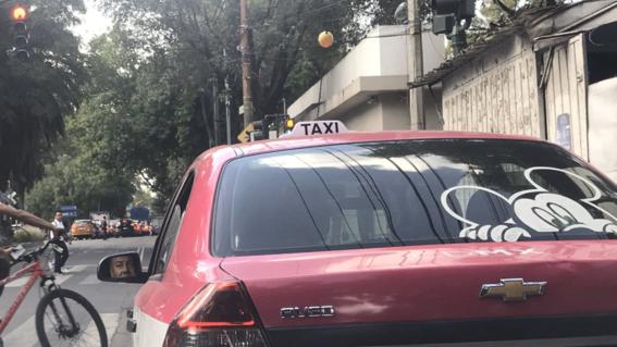 taxistas que si trabajaron aprovechan alta afluencia de pasajeros