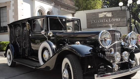 el ultimo recorrido de jose jose por las calles de la ciudad de mexico lo realizo a bordo de un cadillac modelo 1930 acondicionado como carroza