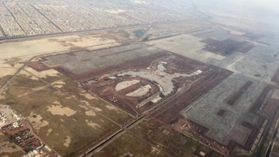 las obras que formarian parte del naicm ya muestran las huellas del abandono y los estragos de las lluvias en la zona de texcoco