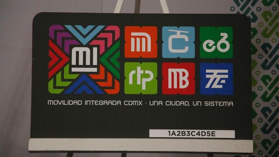 ahora el metro metrobus tren ligero ecobici trolebus y camiones rtp se podran pagar con la misma tarjeta