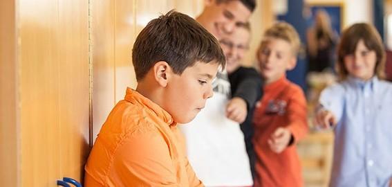 el ciberacoso es uno de los mayores problemas de la red ya que uno de cada cuatro casos de acoso escolar se hace a traves de la red