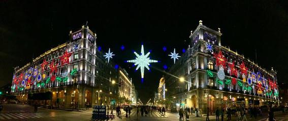 los edificios ubicados en el primer cuadro de la ciudad de mexico fueron decorados con 23 mil nodos led y seis mil lamparas