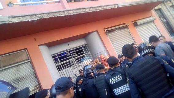 militar retirado mata a vecinos tras orinarse en vecindad palacio nacional
