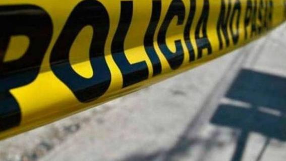 un grupo de hombrea armados ataco a un hombre a plena luz del dia mientras caminaba por calles de guaymas en el estado de sonora