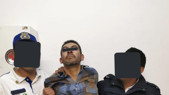 borrachoavientaaunpoliciaalasviasdelmetrojamaicavideo