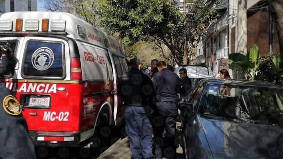un hombre recibio un disparo en la pierna mientras caminaba por las calles acapulco y sinaloa en la colonia roma