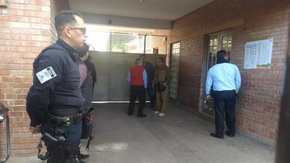 el gobernador de coahuila dio detalles de la agresion ocurrida en una escuela primaria de torreon en la que murieron al menos dos personas