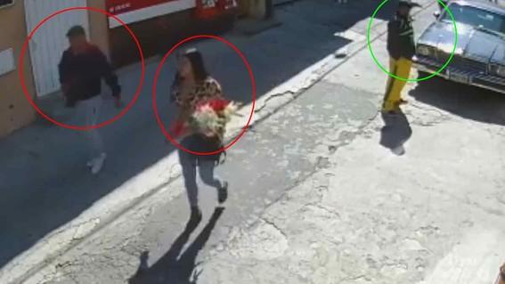 mujeres con flores robo iztapalapa