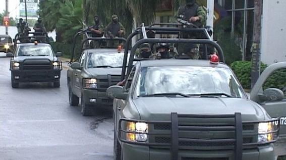 los uniformados realizaban un recorrido de vigilancia por una carretera cuando fueron atacados con armas de fuego y al repeler la agresion murier