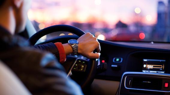 de acuerdo con el codigo penal de la entidad las penas contra los conductores de aplicaciones de taxis privados pueden alcanzar hasta 6 anos de c