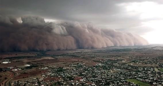 luego de los intensos incendios forestales ahora los habitantes de australia se han enfrentado a tormentas de polvo