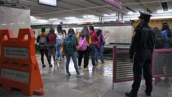arresto a hombres por invadir vagon mujeres metro