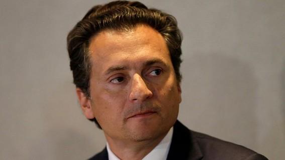la fiscalia general de la republica mexicana informo que el exfuncionario emilio lozoya fue detenido en el sureno puerto espanol de malaga espan