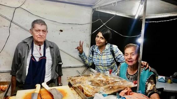 pareja de abuelitos viraliza su taqueria en sahuayo michoacan