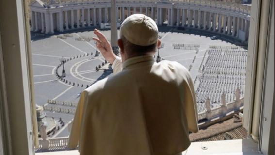 papa francisco plaza san pedro sin gente
