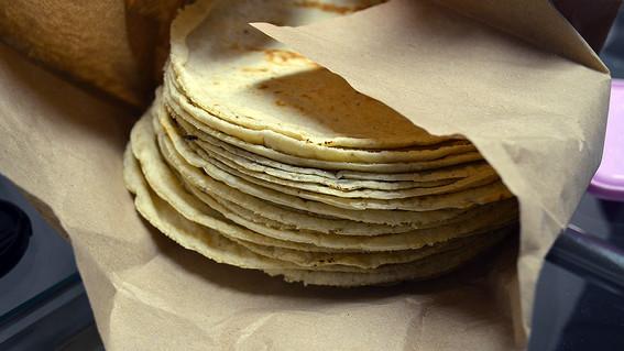 el incremento en el precio del kilo de tortilla sera de entre dos y cuatro pesos a partir de esta semana en ambas entidades del valle de mexico