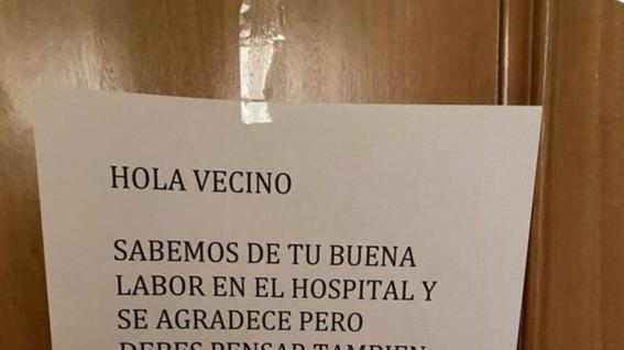 vecinos le dieron una opcion inesperada a un medico en la linea frontal de la batalla contra el covid19