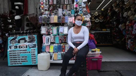"""a traves de redes sociales diversas iniciativas como """"consume local"""" buscan impulsar las ventas en negocios que sigan ofreciendo sus productos du"""