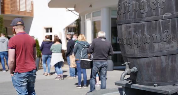 regalan cerveza por caida de ventas a causa del coronavirus en alemania