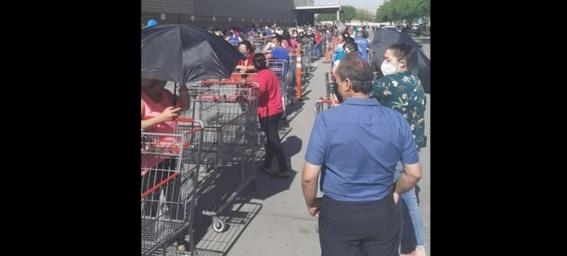 hacen largas filas para comprar pastel para celebrar 10 de mayo en chihuahua