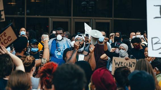 protestas george floyd toque de queda covid19