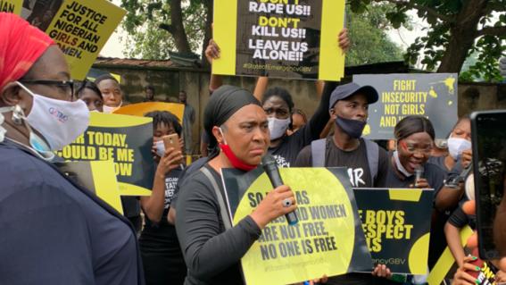 wearetired mujeres nigerianas protestan contra feminicidios y violaciones grupales